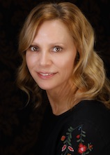 Dianne Riehl is an aesthetic medical professional for RefineMD.